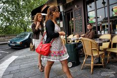 Flagra impagável direto das ruas de Paris!