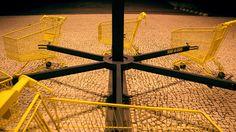 urban shopping cart merry-go-round by nuno pimenta - designboom | architecture & design magazine