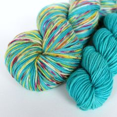 Image of TURQUOISE SPECKLE Self Striping Yarn