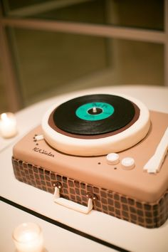 Record player cake. So cool. Artist unknown.