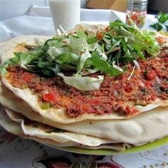 Lahmacun (zelfgemaakte Turkse pizza) Dutch Recipes, Turkish Recipes, Cooking Recipes, Healthy Recipes, I Love Food, Good Food, Yummy Food, My Favorite Food, Pizza