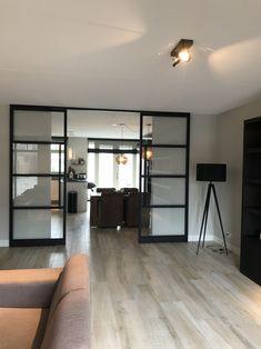 Interior Pocket Doors, Greece House, Chill Room, Bedroom Closet Design, Piece A Vivre, Small Apartments, Office Interiors, Home Living Room, Interior Inspiration