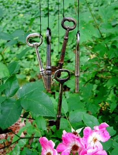 skeleton keys, could do this for the side yard, would sound nice.