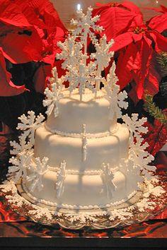 snowflake cake so pretty ,minus the fondant Gorgeous Cakes, Pretty Cakes, Amazing Cakes, Unique Cakes, Creative Cakes, Snowflake Cake, Snowflake Wedding, Gateaux Cake, Specialty Cakes