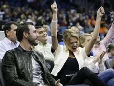 Detroit Tigers pitcher Justin Verlander and model Kate Upton Kate Upton and Justin Verlander - Sports couple of the week (15 photos) The top celebrity couple in the major leagues sealed their bond for all time Monday night when Justin Verlander tossed Kate Upton a ball at her seat in the front row behind the Tigers' dugout at Yankee Stadium. Catch photos of the couple from the year. Yahoo SportsSports & RecreationCelebritiesOklahoma City ThunderUnited States