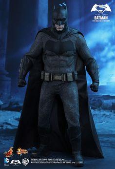 Hot Toys : Batman v Superman: Dawn of Justice - Batman 1/6th scale Collectible Figure