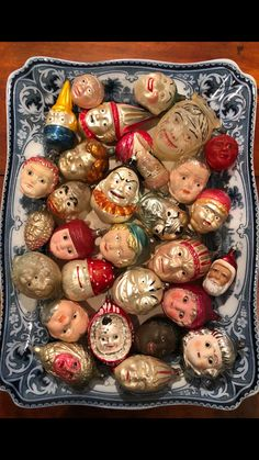 Antique Christmas Ornaments, Old Christmas, Victorian Christmas, Vintage Ornaments, Retro Christmas, Christmas Images, Christmas Goodies, Vintage Holiday, Christmas Tree Decorations