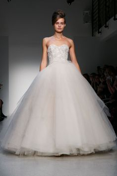 What a stunning ballgown! Fall 2013 Wedding Dress Kenneth Pool by Amsale bridal gowns. Notice the gown fits the look for a princess. Great for all body types. Dream Wedding Dresses, Bridal Dresses, Wedding Gowns, Bridesmaid Dresses, Amsale Bridal, Bonny Bridal, Wedding Styles, Wedding Ideas, Wedding Stuff