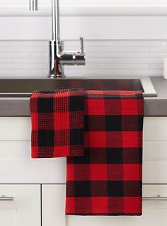Trendy hunter checks create a chic rustic look in classic black and red colours.  Items sold separately.      Dimensions   Dish towel: 50 x 70cm  All-purpose towel: 36 x 36cm