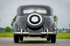 Mercedes-Benz 220 limousine, 1952 - Welcome to ClassiCarGarage
