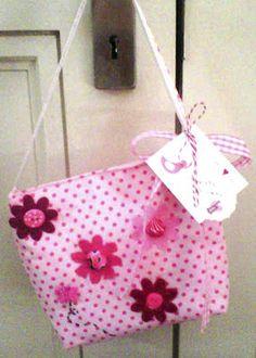 Play as U go: Alternative packaging Fabric gift bag. 20.08.2012