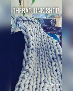 Watch me make this ohhio blanket - thebagjunkishop Knitted Blankets, Merino Wool Blanket, Cover Pages, Handmade Bags, Cool Tees, Personalized Items, Watch, Creative, Shop