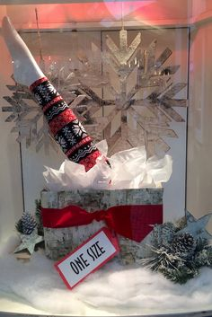 Fun Fashions Mayfair Christmas 2016 funfashions.ca PropaganZa Visual Display & Design Visual Display, Display Design, Christmas Window Display, Christmas 2016, Ladder Decor, Cool Style, Fun, Home Decor, Homemade Home Decor