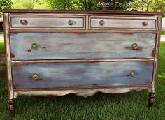 Image from http://shizzle-design.com/wp-content/uploads/2012/07/antique-hand-painted-dresser-waxed-Shizzle-Design-CeCeCaldwell-Chesapeake-Blue-Aging-Dust-Dover-White-vintage-Michigan-chalk-clay-paintedfurniture.jpg.