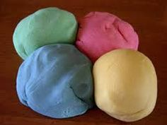Edible Playdough - 1 c. oil 1 c. flour c. Kool-aid - any flavor Mix together water and oil. Microwave on High for about 2 minutes. Remove and add flour, sugar and kool-aid. Make Your Own Playdough, Homemade Playdough, Homemade Clay, Activities For Kids, Crafts For Kids, Diy Crafts, Preschool Ideas, Preschool Teachers, Daycare Crafts