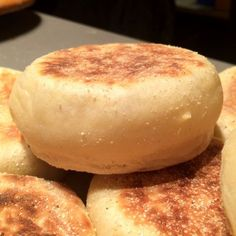 english muffin a la Paul Hollywood Bread Recipes, Cooking Recipes, Hungarian Recipes, Garlic Bread, Creative Food, Nutella, Baked Goods, Muffin, Food And Drink