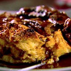 Panettone+Bread+Pudding+with+Cinnamon+Syrup+by+Giada+De+Laurentiis+@keyingredient+#breakfast+#brunch+#bread