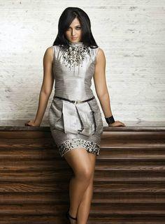 Anushka Shetty in Stylish Short Dress, Latest Frocks for Girls Actress Anushka, Bollywood Actress, Hottest Models, Hottest Photos, Dress P, Peplum Dress, Short Frocks, Silver Shorts, Frocks For Girls
