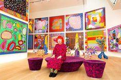 Yayoi Kusama ouvre son musée à Tokyo, qui est-elle exactement ?