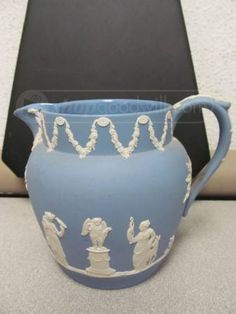 Vintage WEDGWOOD Jasperware PITCHER Wedgwood Pottery, Time In England, Stoke On Trent, New Love, Tea Pots, Blues, Household, Auction, Fairy