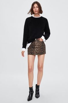 Mini skirt with animal print - outfit ideas - Denim Fashion, Girl Fashion, Fashion Looks, Leopard Skirt Outfit, Estilo Denim, Animal Print Outfits, Mode Jeans, Fall Outfits For Work, Outfit Combinations
