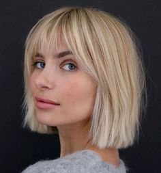 Choppy Bob Haircuts, Short Bob Hairstyles, Cool Hairstyles, Hairstyle Ideas, Bob Hairstyles For Fine Hair With Fringe, Fringe Bob Haircut, Straight Bob Haircut, Halloween Hairstyles, Hairstyle Short