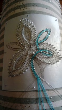 Flor colores Smocking Patterns, Bobbin Lace Patterns, Tatting Patterns, Lace Embroidery, Embroidery Designs, Pin Weaving, Advanced Embroidery, Bruges Lace, Bobbin Lacemaking