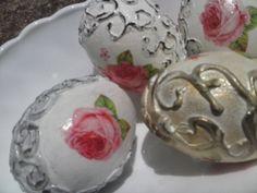 Cáscaras de huevo reutilizadas ( recicladas)