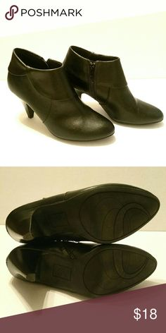 Fioni Ankle Boots 8.5 WIDE Never worn. Fioni Ankle Boots. 8.5 Fioni Shoes Ankle Boots & Booties