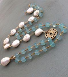 Perle de pièce de monnaie et collier calcédoine - couches bio lux bijoux, aqua calcédoine enveloppé bijoux en perles, cadeau pour elle par mollymoojewels