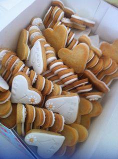 Love heart Cookies Biscuit Cupcake sugarpaste by Cookiestories, €6.00