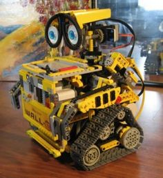 Girl-Powered Robotics Day Camp uses LEGO building systems