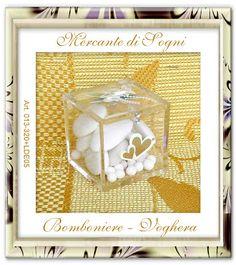 """Mercante di Sogni - Voghera - Bomboniere e Stampati dal 1969 - Vendita ai privati: Nuova Idea - Scatolina plexiglass con applicazioni per matrimonio  Collezione """"NUOVA IDEA""""  PLEXIGLASS MATRIMONIO  Scatoline 5x5x5 con applicazioni fiori e cuori Articolo per Matrimonio  Read more: http://mercantedisognivoghera.blogspot.com/2015/08/nuova-idea-scatolina-plexiglass-con.html#ixzz3iFHsmTwR"""