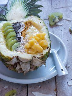 Ananas Smoothie Bowl mit Chia, Blütenpollen und gepufftem Amaranth | Meine Küchenschlacht