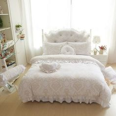 Luxury fleece+lace winter Bedding Sets Full Queen King Double size Wedding Bed skirt set Duvet Cover For Girls Gifts King Size Bed Linen, King Size Bed Sheets, Bed Linen Sets, Velvet Bedding Sets, Queen Bedding Sets, Luxury Bedding Sets, Lace Bedding, Velvet Duvet, Girls Duvet Covers