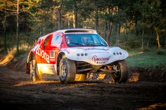 ACCIONA EcoPowered electric vehicle will compete in the DAKAR Rally Photo courtesy of ACCIONA ACCIONA will compete in the Dakar Rally with the first ever zero-emission, electric car Rallye Paris Dakar, Rally Raid, Electric Cars, Electric Vehicle, Buggy, Motorcycle Bike, Renewable Energy, Embedded Image Permalink, Cars And Motorcycles