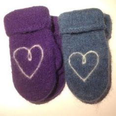 Knitting For Kids, Knitting Projects, Knitting Patterns, Knitted Gloves, Training Your Dog, Drink Sleeves, Mittens, Knit Crochet, Diy And Crafts