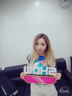 Minzy's Selca for 'SHOW CHAMPION'