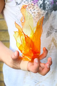 Making a TranspArt Handheld Flame | Worbla's Finest Art