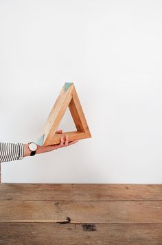 home decoration - wood - triangle - turquoise - annie sloan chalk paint - provence - geometric