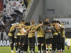 Time do Botafogo se reúne antes da partida  Foto: Daniel Ramalho/Terra
