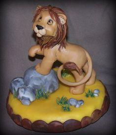 centro de torta de porcelana fria sobre base de telgopor. 15cm x 15cm aprox. cake topper made with cpld porcelain (a kind of air dry clay)