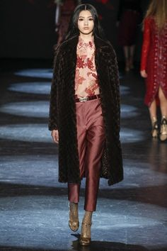 Catwalk photos and all the looks from Monique Lhuillier Autumn/Winter 2016-17 Ready-To-Wear New York Fashion Week