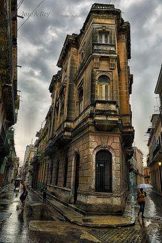 Habana Vieja, great & unique architectural building.