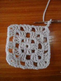 camisola grannys crochet-otakulandia.es (4) Hippie Crochet, Crochet Poncho, Crochet Earrings, Wraps, Knitting, David, Club, Blouse, Summer
