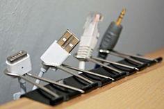 Clip pour tenir les fils électriques