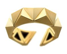 Yellow gold pyramid bracelet