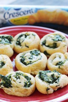 Spinach Feta Swirls for an easy Thanksgiving appetizer #Ad @Pillsbury @Shaws