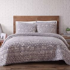 Product Image for Brooklyn Loom Sand-Washed Reversible Quilt Set 1 out of 3