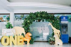 Brent's Jungle Safari Themed Party – Birthday Jungle Safari Cake, Safari Cakes, Safari Theme Party, Safari Birthday Party, Birthday Party Decorations, Boy Birthday, Party Themes, Birthday Parties, Birthday Ideas